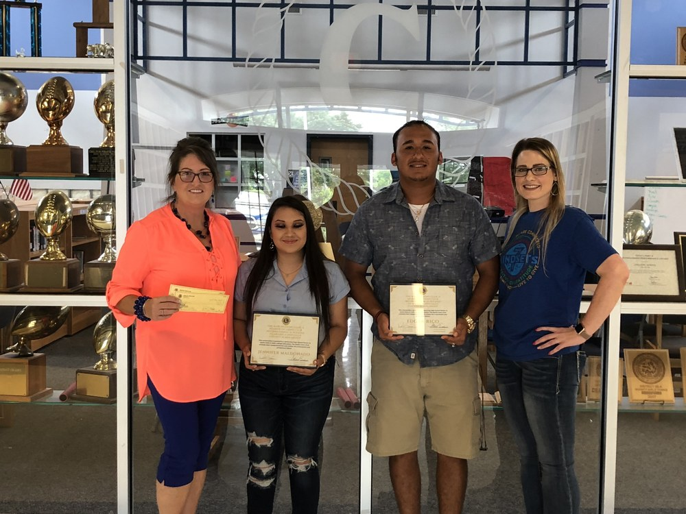 Chilton ISD Students Recieve Lions Club Scholarship